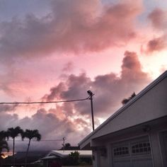 the sky looked pretty. creds: @ironicallymegan