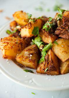 savory breakfast potatoes via The Kitchy Kitchen