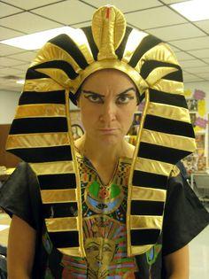 Cassie Stephens: In the Art Room: Walk Like an Egyptian Ancient Egypt Lessons, Ancient Egypt For Kids, Egyptian Crafts, Egyptian Art, Cassie Stephens, Art Lessons For Kids, Tutankhamun, Teacher Blogs, Elementary Art