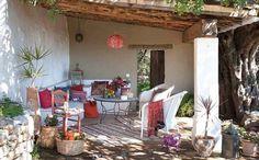 Descubre terrazas que invitan a descontectar y relajarse, terrazas con encanto y decoración de terrazas para crear ambientes únicos y especiales.