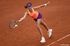 Garbi Muguruza advances to 1st Grand Slam QF! Tops Parmentier 64 62 Roland Garros #WTA #Muguruza #RolandGarros