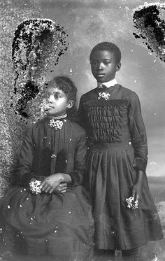 Two African American girls african-american-genealogy-with-fallon-green