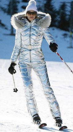 21 Super Cute Ski Outfits For Women Ski Fashion, Holiday Fashion, Winter Fashion, Style Fashion, Sporty Fashion, Holiday Style, Fashion Women, Ski Vintage, Mode Vintage