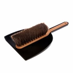 Iris Hantverk  Dustpan And Brush: Classic and stylish. easy to use with perfect bristles that attract dust and dirt.