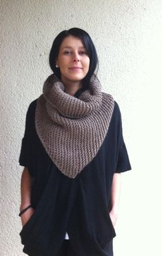 Knitting Pattern for the Triangle scarf or Bandana by Mursulla