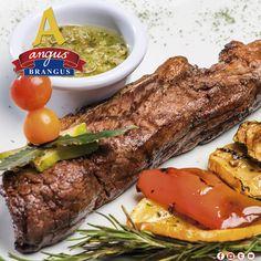 Almuerza un exquisito corte de res argentino, hoy sugerimos Bifé de Chorizo; acompañado de papa, chimichurri y arepa.   Reservas: 2321632. www.angusbrangus.com.co Cra. 42 # 34 - 15 / Vía las Palmas.