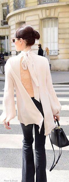Back Appeal | Travel Chic. Vi a @devalera. #streetstyle #blouses