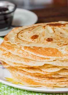Homemade crepes - Made from scratch in a regular frying pan! Eat these with your favorite fruit preserves or dust them with sugar! Entree Recipes, Brunch Recipes, Cooking Recipes, Delicious Breakfast Recipes, Delicious Desserts, Yummy Food, Breakfast Dishes, Eat Breakfast, Homemade Crepes