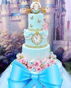 Princess Theme Birthday, Cinderella Birthday, Baby Birthday Cakes, Disney Princess Party, 18th Birthday Party, Cinderella Cakes, Cinderella Party Decorations, Cinderella Quinceanera Themes, Birthday Decorations