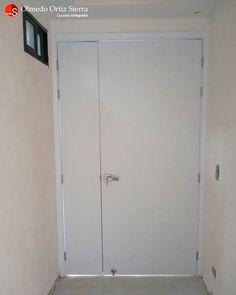 QUE NO ME ABRAN LA PUERTA 😡 Además de armonizar nuestro hogar, oficina o consultorio las puertas representan privacidad y seguridad 😉 Son importantes para esos momentos cuando queremos tener un momento a solas. 👌 Si tienes un proyecto nuevo o estas pensando en reemplazar las puertas, sabes que puedes contar con nosotros en el WhatsApp 3136071067 Cali, Colombia 🇨🇴 #puertas #puertasdemadera #puertademadera #puertasamedida #diseñodepuertas #diseñopuertas #puertascali Cali Colombia, Tall Cabinet Storage, Furniture, Home Decor, To Tell, Bathroom Doors, Front Entrances, Safety, Decoration Home