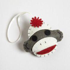 Sock Monkey -copy and make! Felted Wool Crafts, Felt Crafts, Crafts To Make, Felt Christmas Ornaments, Handmade Ornaments, Santa Christmas, Homemade Christmas, Christmas Trees, Christmas Decorations