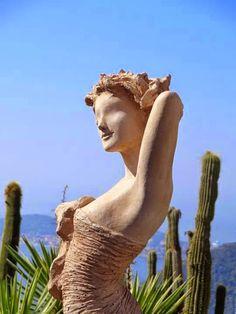 eze, jardin exotique, sculpture jean richard, cote dazur, france.
