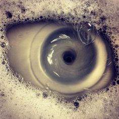 ¿Un ojo o un fregadero? Una ilusión óptica alucinante