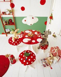 """mushroom table and """"toad"""" stools"""