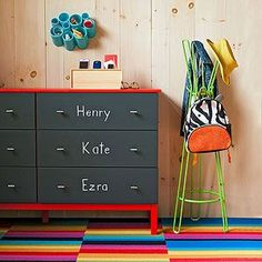 Labeled drawers give each family member a place to stash those grab-and-go necessities: mittens, bus passes, shin guards. A fun wall-hung cubby unit holds small essentials, such as lip balm and sunglasses.