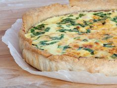 Here's a delicious recipe for spinach, mushroom and chicken quiche that you can make using ingredients grown right at home!