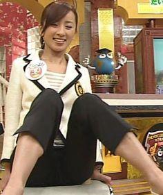 西尾由佳理さん開脚