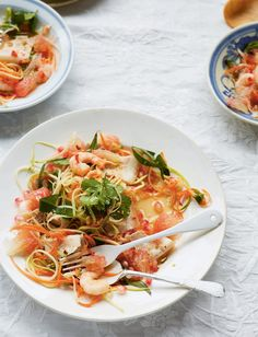 3 Vibrant Vietnamese Salads To Brighten Up Your Lunches Vietnamese Salad Recipe, Vietnamese Recipes, Crepe Batter, Thai Dishes, Side Dishes, Savory Crepes, Cook At Home, How To Make Salad, Pork Belly