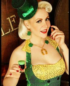 Happy St Patrick Day  from Glitter Paradise's Official French Model @misslizcherie  wearing the special St Patrick set (only available only by PM)  Happy St Paddy's day  Let's celebrate   Photo Eric LaGuarda Jewelry @glitterparadise  #stpaddysday #stpatricksday #pinup #platinumblonde
