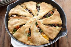 Give chicken the night off with Beef and Vegetable Skillet Bake. Crescent roll dough gives this beef and vegetable skillet an easy and impressive crust. Crescent Roll Recipes, Crescent Roll Dough, Crescent Rolls, Crescent Ring, Kraft Recipes, Beef Pot Pies, Meat Pies, Cream Of Celery Soup, Ground Beef Recipes