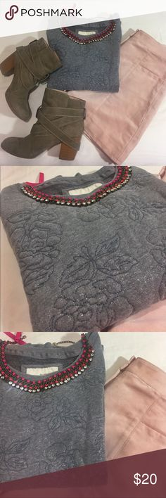 Abercrombie & Fitch Rose Sweater This is a gray Abercrombie & Fitch sweater. The front of the sweater has rose detailing made from stitching . It is exquisite detailing . The sweater also has a subtle and sweet sparkle and shine to it. It looks like glitter sparkles but can't be felt. The sweater is extremely soft and thick . Great for cold weather . The inside of the sweater is very soft as well. Used only twice . Questions and offers are welcomed !! Abercrombie & Fitch Sweaters Crew…