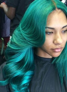 Flawless green dyed hair hairstyle волосы e макияж Weave Hairstyles, Pretty Hairstyles, Black Hairstyles, Locks, Curly Hair Styles, Natural Hair Styles, Beautiful Hair Color, Hair Laid, Green Hair