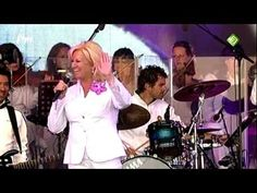 Anita Meyer - Why tell me why - Girls First Concert 18-06-11 HD