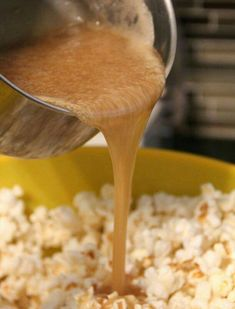 My absolute FAVORITE salted caramel popcorn recipe!