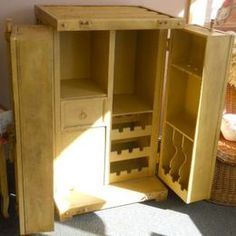 Just another wine furniture i'd love to have! Looks like a great DIY project!