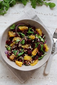 Beetroot and orange salad Orange Salad, Polish Recipes, Beetroot, Kung Pao Chicken, Lunch Box, Food And Drink, Cooking Recipes, Healthy, Ethnic Recipes