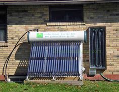 Solar for Heat Exchanger DIY Solar Air Heater We look at FOUR do it yourself solar thermal air heaters (collectors) and pick the best features from each for what we consider the idea solar air heater Solar Panel Cost, Solar Energy Panels, Solar Panels, Solar Water Heater, Water Heating, Water Cooling, Alternative Energie, Garage, Solar Projects
