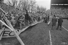 Sparta – Feyenoord (1970) Trains do only stop at the station at matchdays. Start with Excelsior by taking tram 24 or 21 to Esch (hop off at Woudestein). Take back the same tram and change at Beurs. Here you take tram 23 to Beverwaard (get down at Feyenoord stadion). For Sparta, take the tram from the Feyenoordstadium back to Beurs and get tram 8 to Spangen. You can also take the tube, but not sure which station you should get down