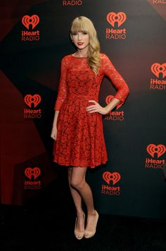 Taylor Swift Photos Photos - Musician Taylor Swift poses in the Elvis Duran Broadcast Room during the 2012 iHeartRadio Music Festival at the MGM Grand Garden Arena on September 22, 2012 in Las Vegas, Nevada. - 2012 iHeartRadio Music Festival - Day 2 - Elvis Duran Broadcast Room