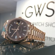 97c0dde9b88 Rolex Day-Date 40 Everose Gold Chocolate Baguette Diamond Dial 228235  Dating 40