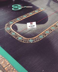 No photo description available. Peacock Blouse Designs, Peacock Embroidery Designs, Cutwork Blouse Designs, Choli Blouse Design, Hand Work Blouse Design, Simple Embroidery Designs, Simple Blouse Designs, Stylish Blouse Design, Bridal Blouse Designs