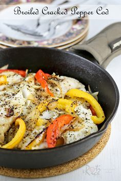 Healthy and delicious Broiled Cracked Pepper Cod with sweet bell peppers, onions, and garlic. Serve it with rice or potatoes for a tasty weeknight meal. | Food to gladden the heart at RotiNRice.com