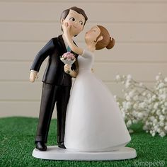 Figura tarta Boda novios beso  Modelo 50-Y971  Figura de tarta especial para la celebración de bodas