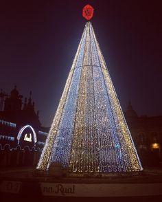 """36 curtidas, 1 comentários - Carina (@carinaivm) no Instagram: """"#home #christmastree #christmas #braga"""""""