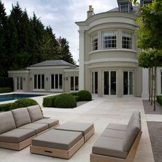 what a beautiful courtyard layout. Modern Garden Design, Modern House Design, Beautiful Home Gardens, Beautiful Homes, Outdoor Garden Furniture, Lounge Furniture, Classic Garden, Outdoor Areas, Luxury Real Estate