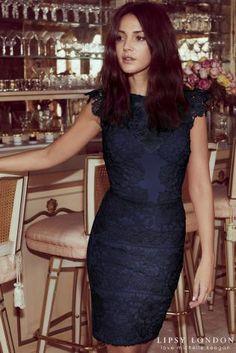 Blau Lipsy Love Michelle Keegan – Figurbetontes Spitzenkleid mit Rüschenärmeln