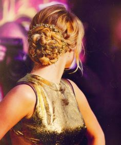 Jenifer Lawrence hair at The Hunger Games premiere