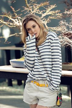 Elizabeth Olsen ist das neue Gesicht auf dem Cover des Asos Magazins. GLAMOUR zeigt Ihnen die Bilder von Elizabeth Olsen