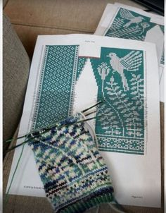 Жаккардовое вязание с Ксенией Максимовой Knitted Mittens Pattern, Knitted Gloves, Knitting Socks, Knitting Charts, Knitting Stitches, Knitting Patterns, How To Purl Knit, Fair Isle Knitting, Sketches