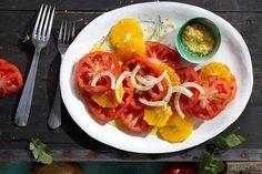 Das Rezept für Fruchtiger Orangen-Tomaten-Salat  mit Orangensalz mit allen nötigen Zutaten und der einfachsten Zubereitung - gesund kochen mit FIT FOR FUN