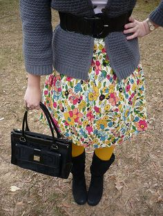 Hobby Lobby has some fabric similar to this print Fall Winter Outfits, Winter Style, Autumn Winter Fashion, Cute Skirt Outfits, Cute Skirts, Yellow Tights, Princess Kate, Grey Cardigan, Modest Dresses