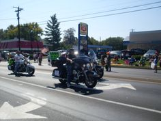 shop with a cop poker run tobacco festival parade 2011