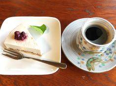 デザートにRawケーキとオーガニックコクモツコーヒー #vegan #vegetarian #vegansofjapan #vegantokushima #vegansweets #tokushima #ヴィーガン #ベジタリアン #ヴィーガンスウィーツ #動物性不使用 #菜食 #徳島 (Tokushima, Tokushima)