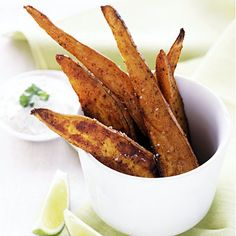 25 Healthy Sweet Potato Recipes - Sweet potatoes are so good for your health. Need ideas for cooking them? These recipes should help. (Shown: Chipotle sweet potato spears) Sweet Potato Recipes Healthy, Healthy Snacks, Healthy Recipes, Lime Recipes, Other Recipes, Veg Recipes, Glazed Sweet Potatoes, Enjoy Your Meal, Bon Appetit
