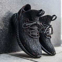 adidas tubulare doom primeknit triplo nera da ginnastica bar detroit