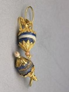 Gold earrings with lapis lazuli, ivory, and quartz pendants south Bactria, 2nd - 1st century BC (200 - 1 BC)